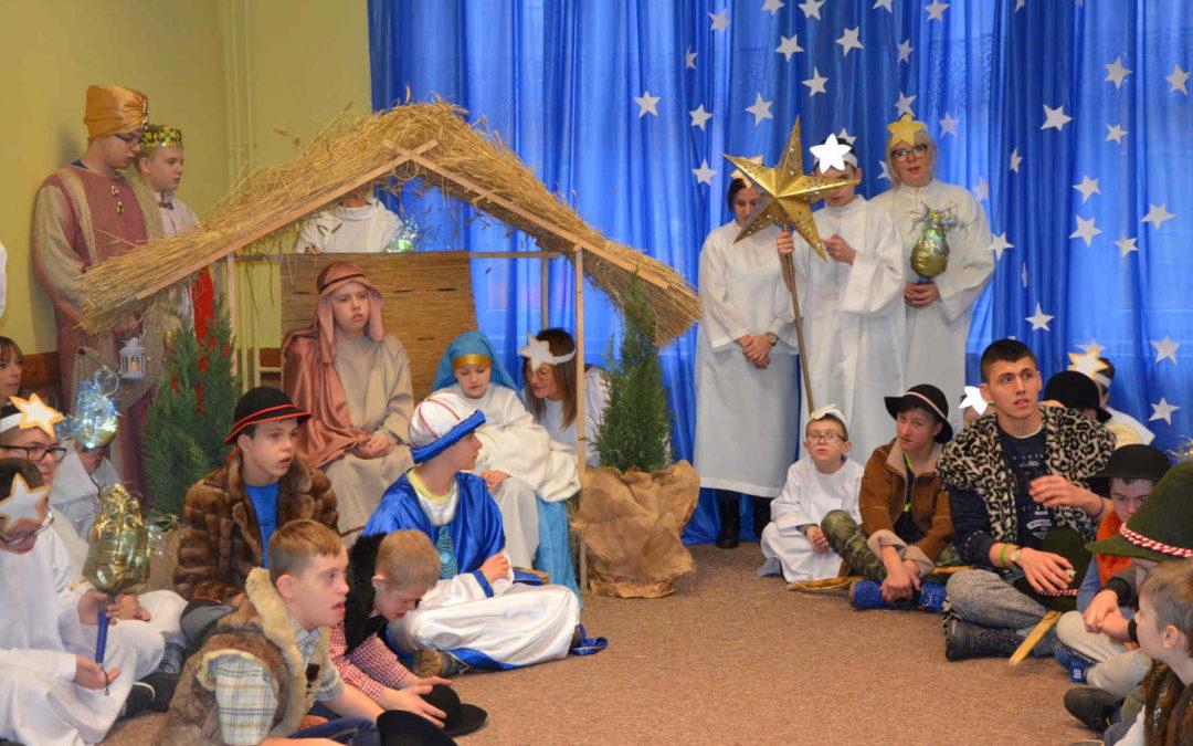 """Koncerty Bożonarodzeniowe """"Dzieci Dzieciom"""" 2020"""
