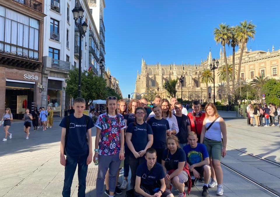 Sevilla Tour ikolorowe papużki